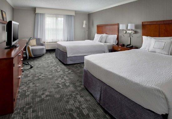 Tinton Falls, NJ: Double/Double Guest Room