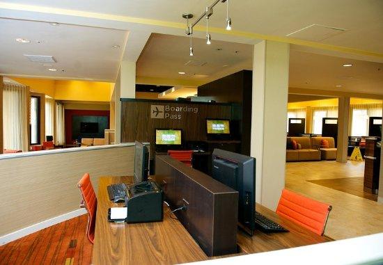 Bedford, Teksas: Business Center