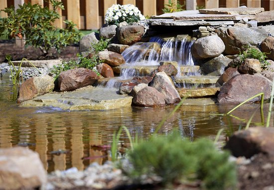 Altoona, PA: Waterfall Feature