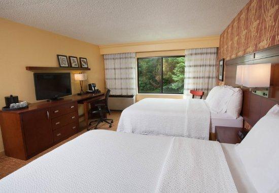 Williston, VT: Queen/Queen Guest Room