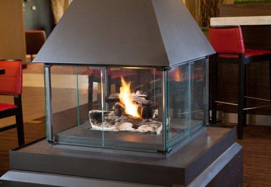 Williston, VT: Lobby Fireplace