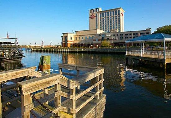 Portsmouth, VA: Exterior
