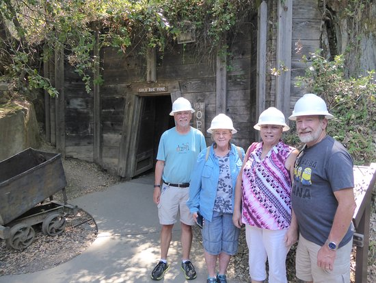 Placerville, Kalifornien: Getting ready to enter the mine....