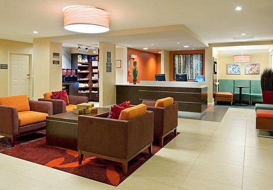 Dedham, ماساتشوستس: Lobby