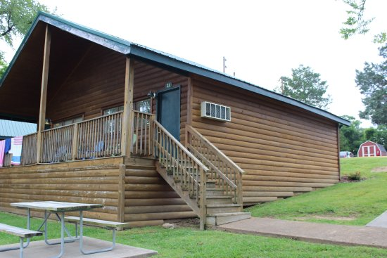 Hermitage, TN: Lakeside Cabin