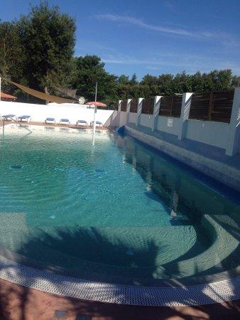 Camping Europe: Très agréable piscine familiale où plongeon interdit par gérant  Décision appréciable par la pet