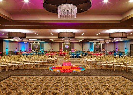 Lisle, IL: Ballroom
