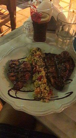 Piraeus Region, Griechenland: Δυο καρδιές από γλυκόξινο κοτόπουλο ... μιαμ ... (το πιάτο μου)!!!!