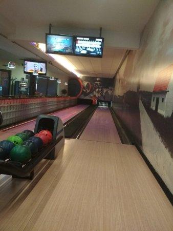 Velke Bilovice, Czech Republic: bowling nedaleko od hotelu