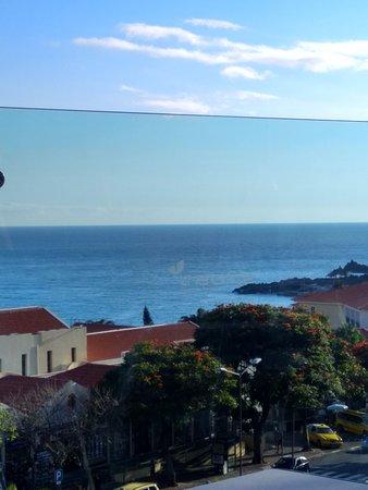 Lince Hotel Madeira: vista desde la piscina del hotel