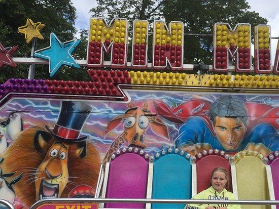 Clifton Park: Mini fairground attraction