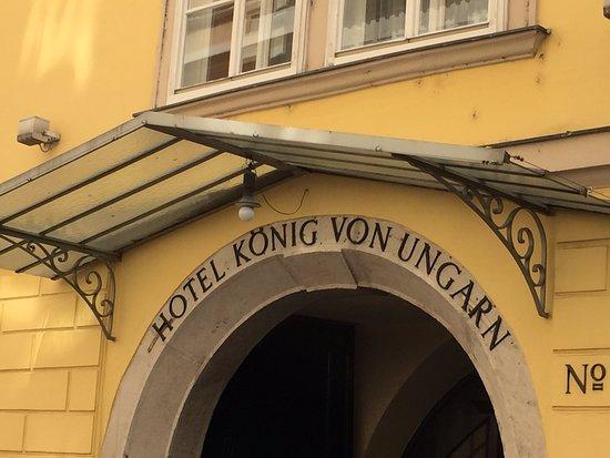 Hotel Konig Von Ungarn: Façade