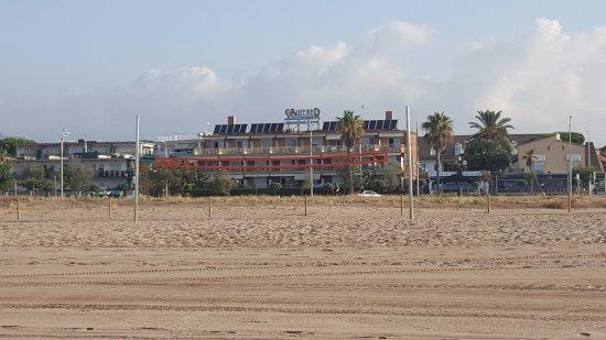 Solifemar Aparthotel: photo taken from the beach