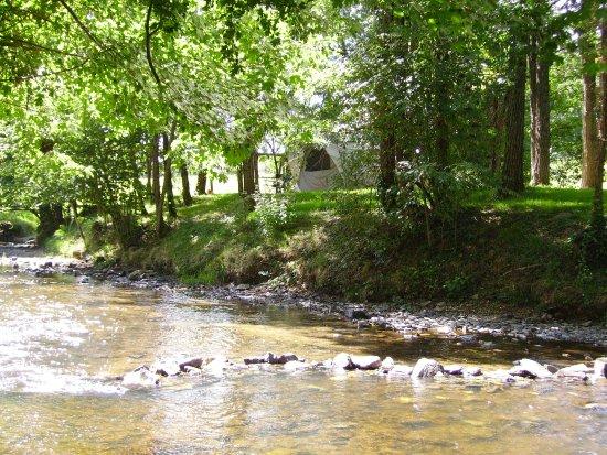 Saint-Romain-et-Saint-Clement, Francia: rivière près du gîte