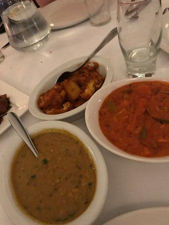Everest Inn Ashford: Vegan Aloo gobi, tikka masala and tarka dhal