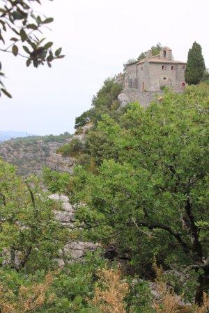 Lablachere, France: l'Ermitage St Eugène et point de vue dans le bois de Paiolive