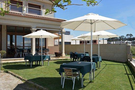 Asador - Restaurante A Illa: Restaurante A Illa desde fuera