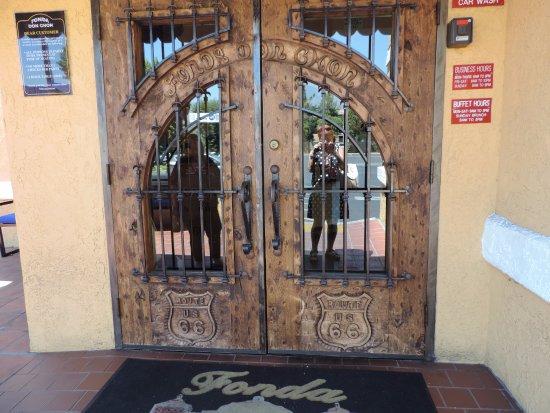 Covina, Kalifornia: Entrada de DonChon