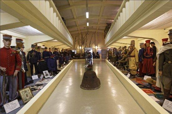 Musée du costume militaire 1900-1950