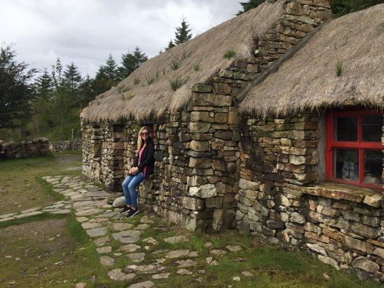 Dan O'Hara's Homestead Farm : Outside Dan's cottage.
