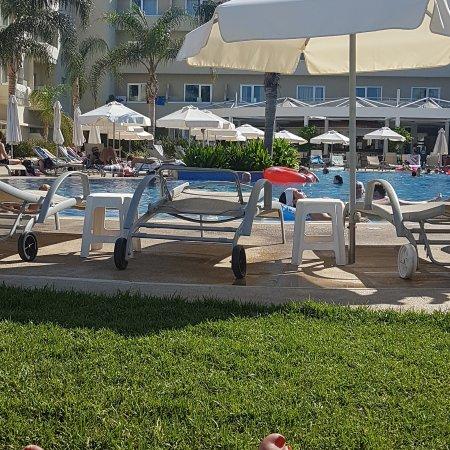Brilliant Hotel Apartments: IMG_20170713_163228_979_large.jpg