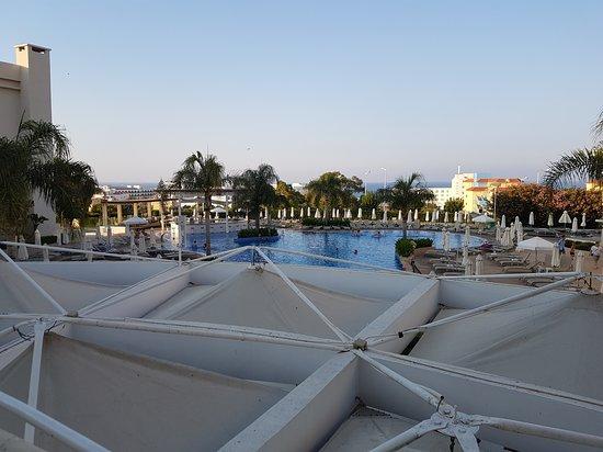 Brilliant Hotel Apartments: 20170715_184931_large.jpg