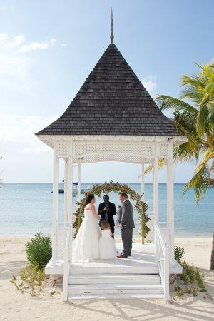 Hotel Riu Montego Bay Wedding Gazebo On The Beach
