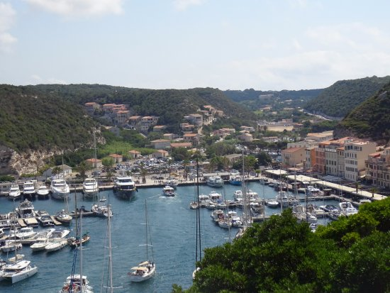Yachts photo de port de plaisance de bonifacio for Restaurant bonifacio port