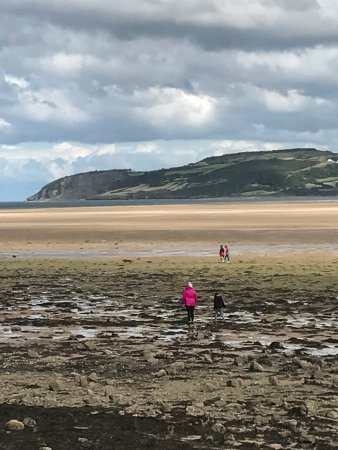 Pentraeth, UK : A few pictures from our visit to the naturally beautiful Red Wharf Bay.