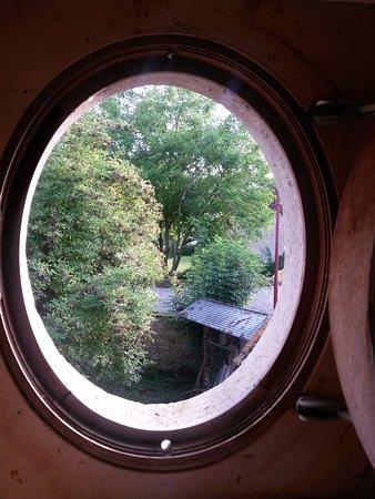 Fen tre d 39 une des chambre du pigeonnier photo de le for Aeration d une chambre sans fenetre