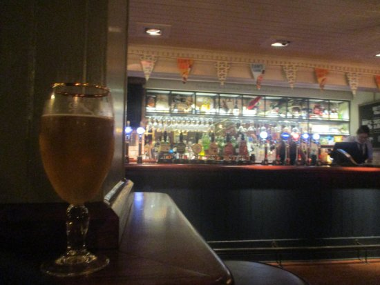 Sawyers Arms: Bar & beer
