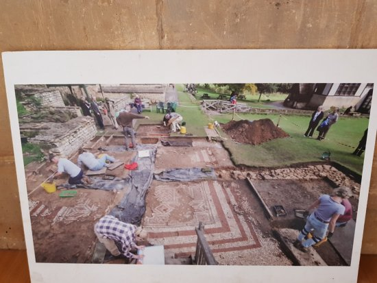 Yanworth, UK: Museum excavation photo
