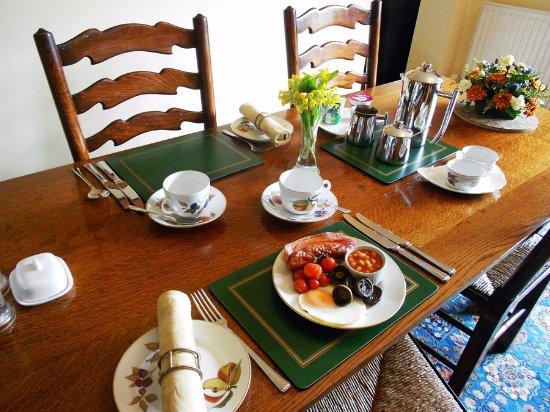 Linley Cottage Hesterworth B&B: A hearty Shropshire full breakfast - ENJOY!