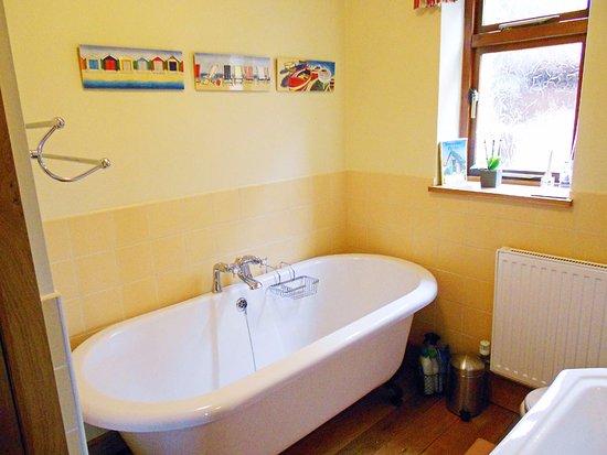 Linley Cottage Hesterworth B&B: Your b&b en-suite bathroom