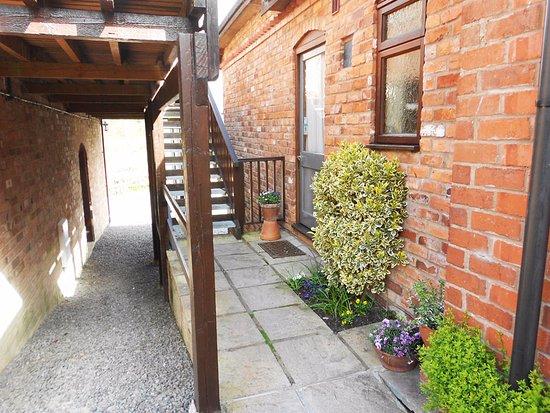 Linley Cottage Hesterworth B&B: The b&b entrance