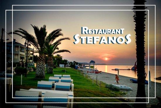 unique atmosphere billede af restaurant stefanos