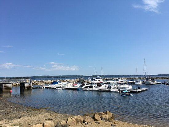 Western Shore, Canadá: The marina attached to the hotel