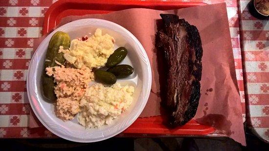 Lockhart, TX: Rib of Beef mit Beilagen
