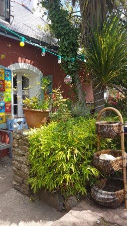 Creperie Chez Renee : Terrasse au calme