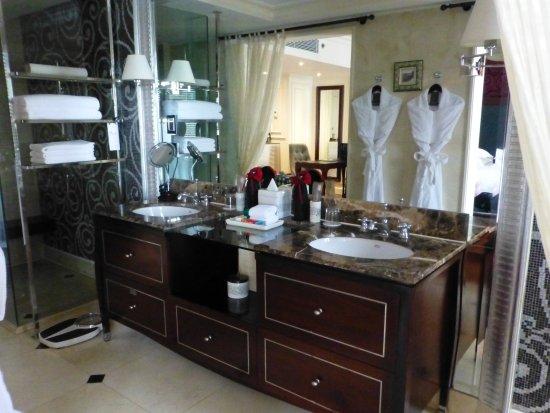 Sofitel Legend Metropole Hanoi: Bathroom