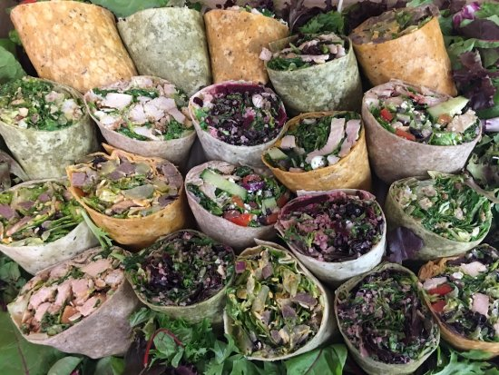 Lindsay, Canada: Catering- Wrap trays tailored to customers needs