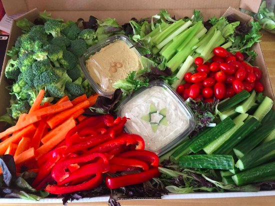 Lindsay, Canadá: Catering- Veggie Trays are tailored to customers needs