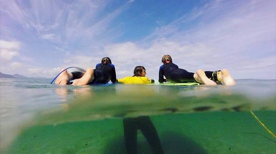Castlegregory, Irlande : Join our Qualified instructors for a surf lesson