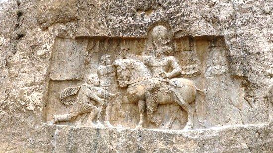 Naqsh-e-Rostam: Victoire de Shahpur I° sur les romains