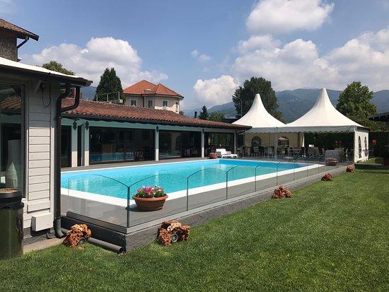 Ronago, Italy: piscina