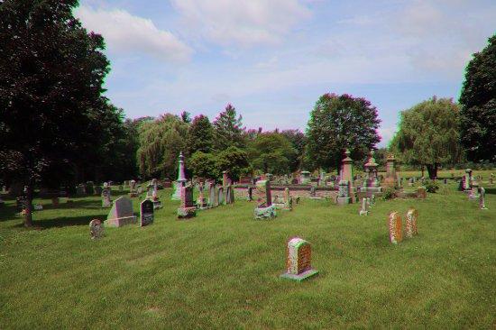 Prescott, Canada: Many tombstones