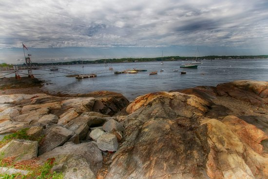 New Castle, NH: short walk to beautiful waterfront views