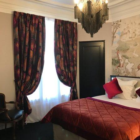 Hotel de Latour Maubourg: Superior Room :  La Fontaine