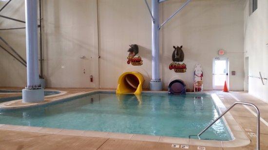 Surfari Joe's Indoor Wilderness Water Park