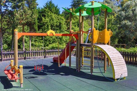 Linho, Portugal: Playground area